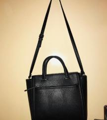Stradivarius crna torba