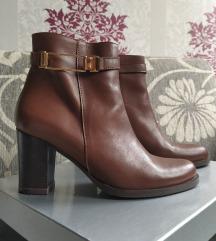 NOVE kozne cizme, broj 38 - Slash
