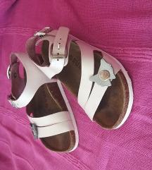 Grubin sandalice