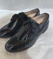 Bata ženske lakovane cipele