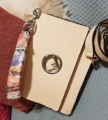 Roze torba sa maramom Fendi