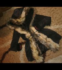 Crna jakna sa krznom