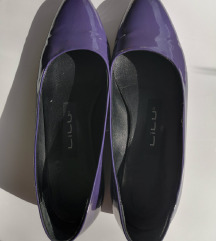 Kožne lakovane cipele
