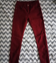 Bordo pantalone kao nove