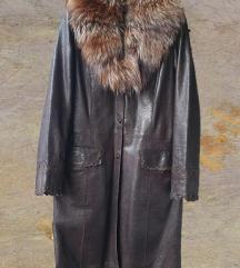 Ženski kožni mantil izuzetan
