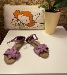Nove sandale za devojcice 32 SADA 400!!!