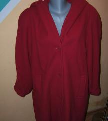 Crveni kaput sa kapuljačom