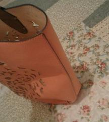 Roze krem letnja torba