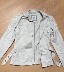 Esprit moderna prolecna jaknica