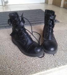 Čizme od veštačke kože