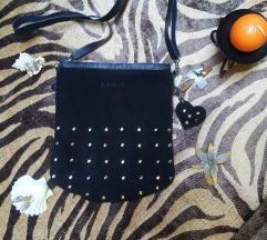 Kozna torbica sa nitnama/snizeno 500rsd