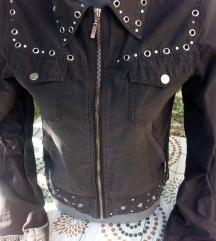 jaknica crna prolecna