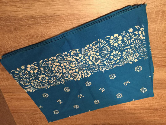 Plavo bela retro marama