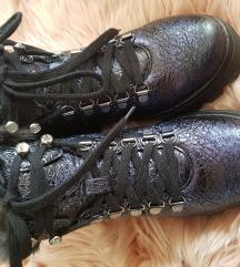 Kozne cipele sa zecijim krznom!