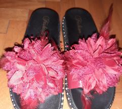 Nove  papuce , 39