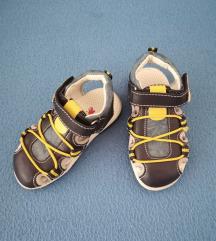 Nove sandalice