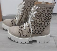 Letnje cizme 36