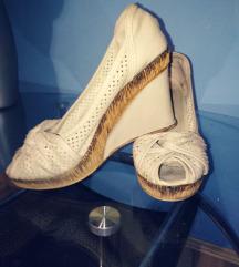 Sive cipele sa otvorenim prstima