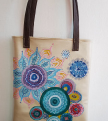Mandala- ručni rad na sedefastoj torbi