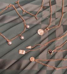 Velik izbor choker i ogrlice, sve po 550 ❤️