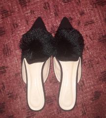Papuče sa pufnom