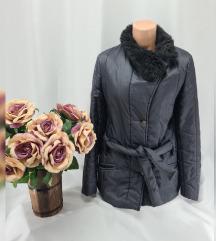 Crna zimska jakna vel M/L