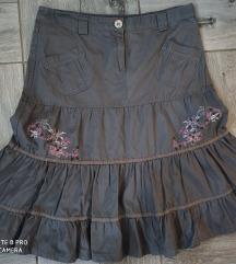 Zanimljiva suknja sa karnerima vel L
