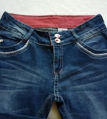 Girl Jeans - prekrasne 3/4 pantalone kao nove
