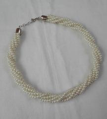 Ogrlica od belih bisera