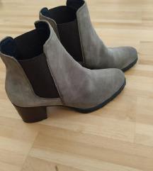 Nove Geox cizme