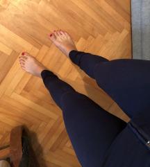 Pantalone kao helanke