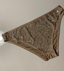 Kupci kristali novo donji deo nude