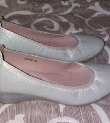 Kao nove sive cipele 39