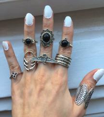 Set od 8 elegantnih prstenova NOVO