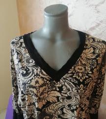 Bluza sa cvetnim detaljima