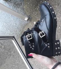 Nove čizme gležnjače