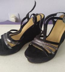 Crno srebrne sandale na platformu