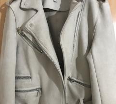 Stradivarisu jaknica