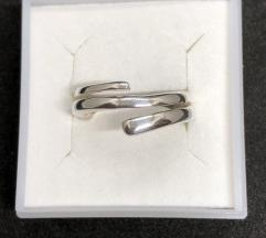 Srebrni prsten 925 NOVO!SNIZEN(2640din)