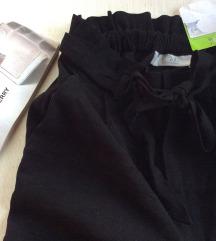 C&A crne pantalone  Nova sa etiketom