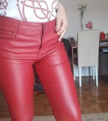 Stradivarius crvene kozne pantalone