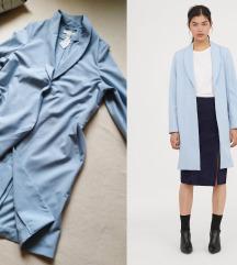 H&M dugacki svetlo plavi sako/mantil-NOVO