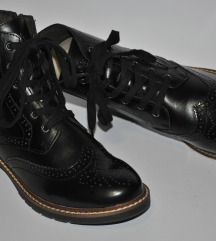 S. Oliver nove oxford crne cizme