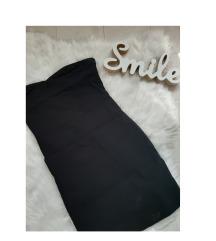 Zara crna haljinica.