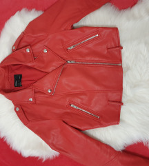 Bershka crvena biker jakna ( ostecena)