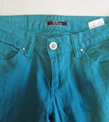Zelene pantalone kao NOVE