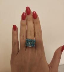 Plavi prsten s kamencicima