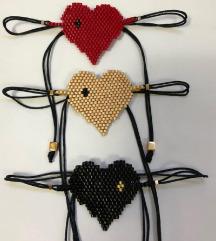 Unikatna crna makrame narukvica - srce