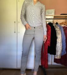 Kosulja i duboke pantalone