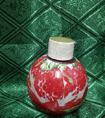 Penušava kupka sa mirisom jagoda i šlaga 250ml